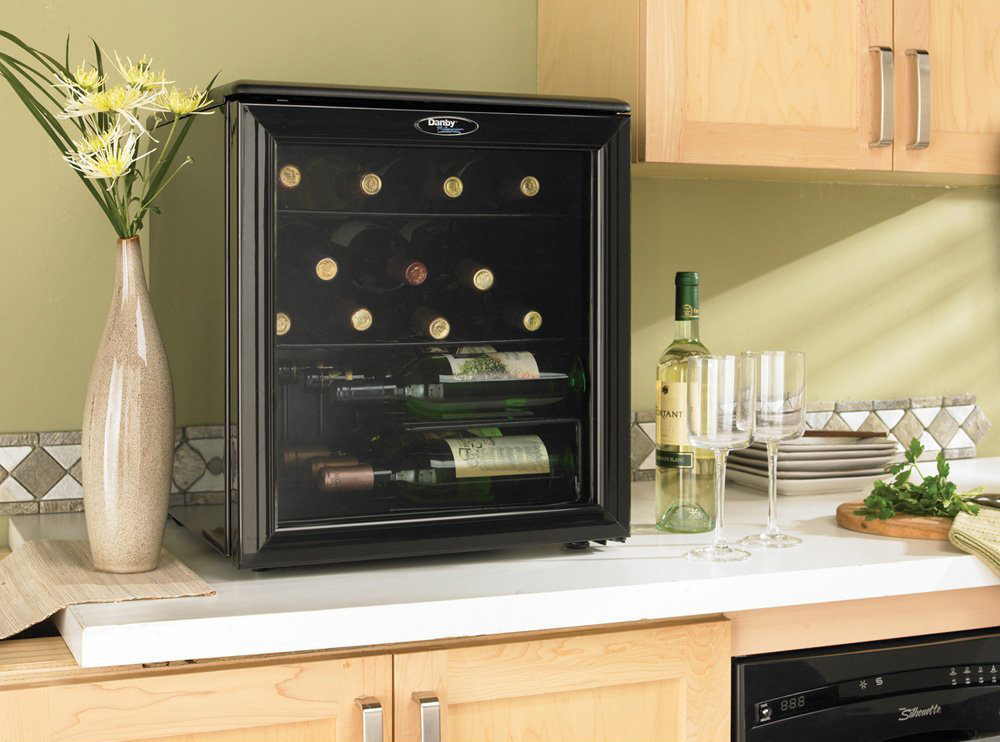 Danby Dwc172bl 17 Bottle Counter Top Wine Cooler Review